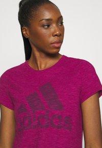 adidas Performance - WINNERS TEE - Print T-shirt - berry - 4