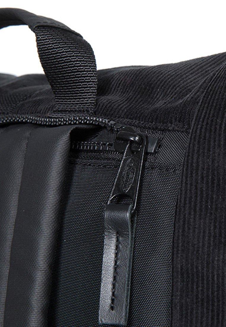 Eastpak MACNEE - Tagesrucksack - black/schwarz - Herrentaschen 42ViS