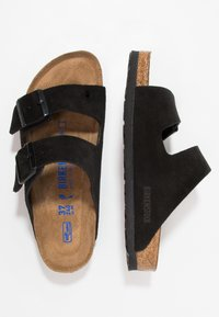Birkenstock - ARIZONA SOFT FOOTBED NARROW FIT - Klapki - black - 1