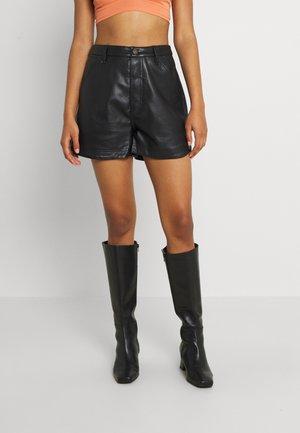 LITA VEGAN SHORT - Shorts - abyss