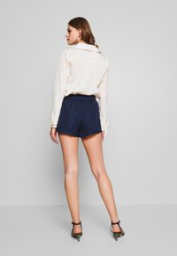 4th & Reckless - THEA - Shorts - navy - 2
