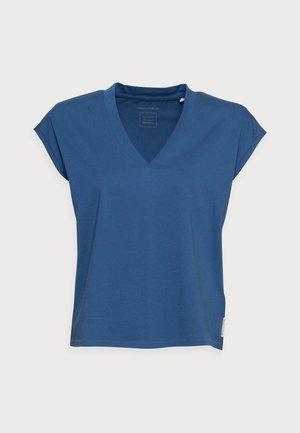 Jednoduché triko - lake blue