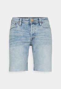 Jack & Jones - JJIRICK JJORIGINAL CUT OFF - Denim shorts - blue denim - 0