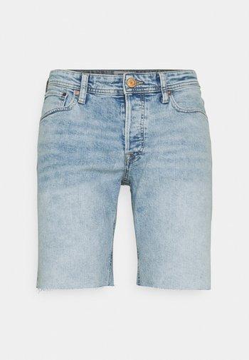 JJIRICK JJORIGINAL CUT OFF - Shorts di jeans - blue denim