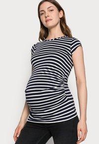 Envie de Fraise - KATIA - Print T-shirt - navy blue/off white - 3