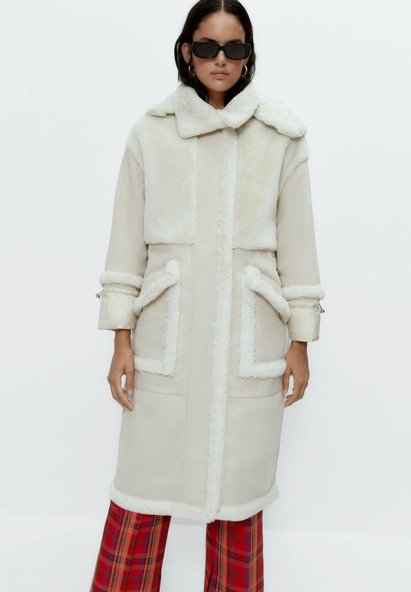 Uterqüe - Short coat - white