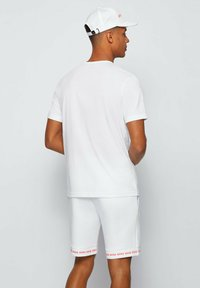 "BOSS - ""TEE CURVED"" - Basic T-shirt - natural - 2"