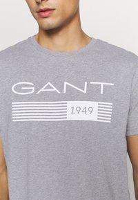 GANT - STRIPES - T-shirt med print - grey melange - 4