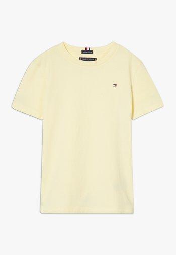 ESSENTIAL TEE  - Basic T-shirt - yellow