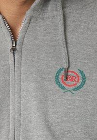Young and Reckless - CREST  - Zip-up sweatshirt - grey - 3