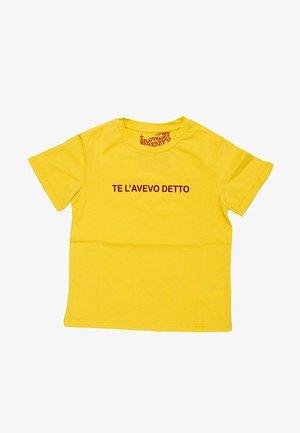 SCRITTA - T-shirt print - giallo