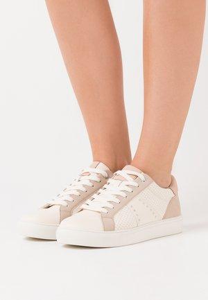Zapatillas - white/nude
