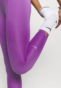 Nike Performance - ONE LUXE CROP - Leggings - wild berry - 5
