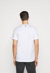Lacoste - Basic T-shirt - white - 2