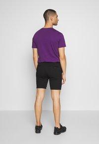 Jack & Jones - JJIPHIL CHINO - Shorts - black - 2