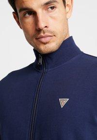 Guess - FOX TRACK  - Zip-up hoodie - blue navy - 3