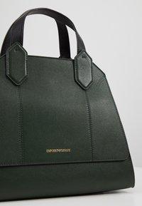 Emporio Armani - TOTE BAG - Håndtasker - khaki - 6
