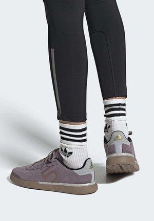 TEN SLEUTH DLX MOUNTAIN BIKE SHOES - Cycling shoes - purple