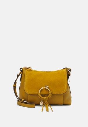 JOAN MEDIUM - Handbag - baroque brown
