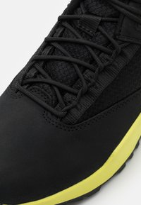 Timberland - SOLAR WAVE MID - Höga sneakers - black - 5