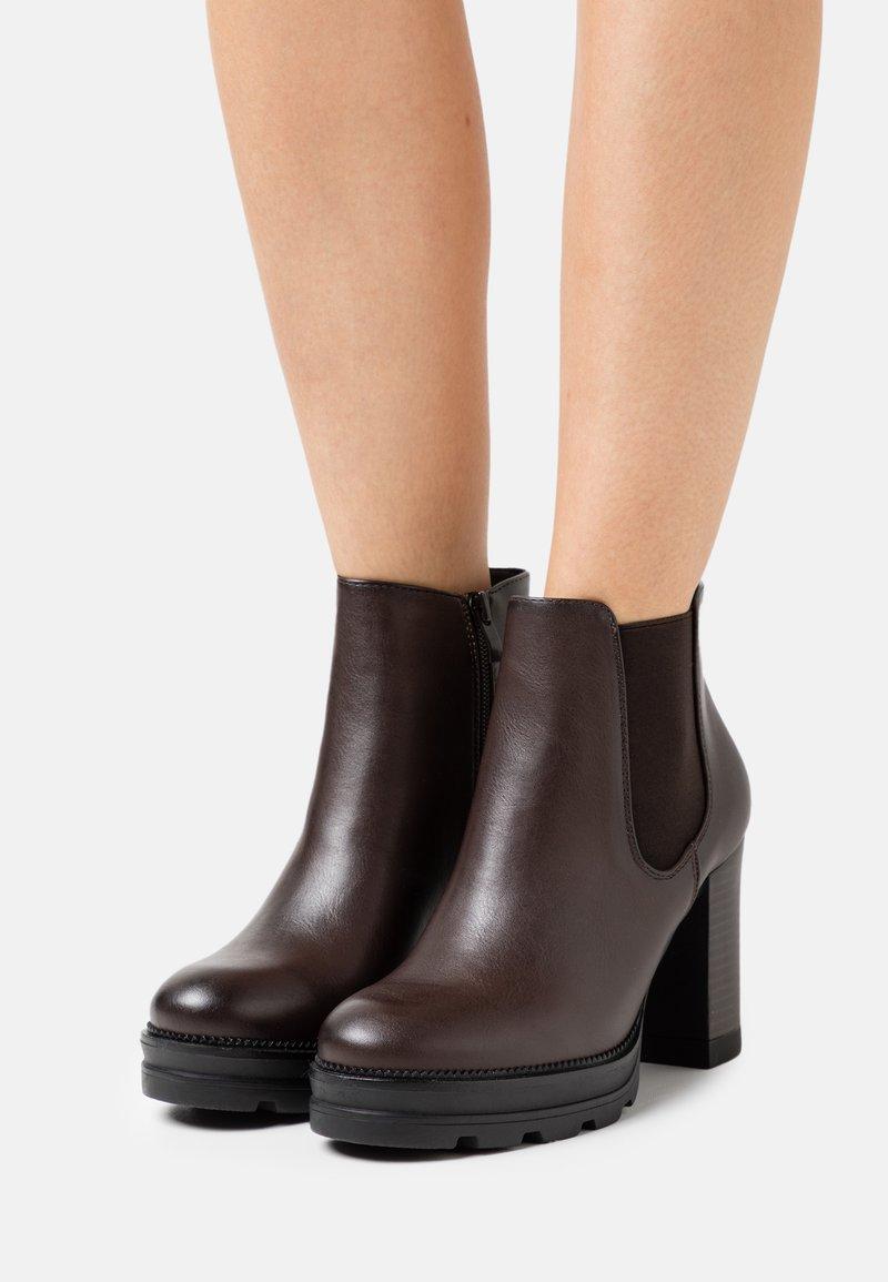 Anna Field - Kotníkové boty na platformě - dark brown