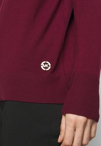 MICHAEL Michael Kors - TURTLE NECK - Jumper - dark ruby - 7