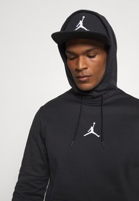 Jordan - AIR THERMA - Jersey con capucha - black/black/(white)