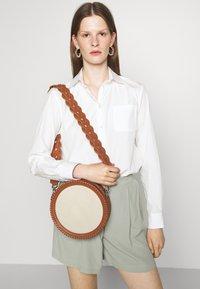 MAX&Co. - DOT - Across body bag - bianco avorio - 0