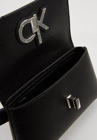 Calvin Klein - RE LOCK BELT BAG - Rumpetaske - black - 5
