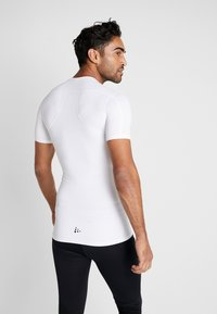 Craft - PRO CONTROL COMPRESSION TEE - T-Shirt print - white - 2