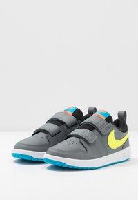 Nike Performance - PICO 5 - Trainings-/Fitnessschuh - smoke grey/lemon/laser blue/hyper crimson - 3