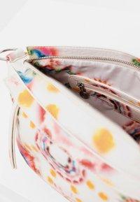 Desigual - BOLS BREATHE LUISIANA - Across body bag - white - 5