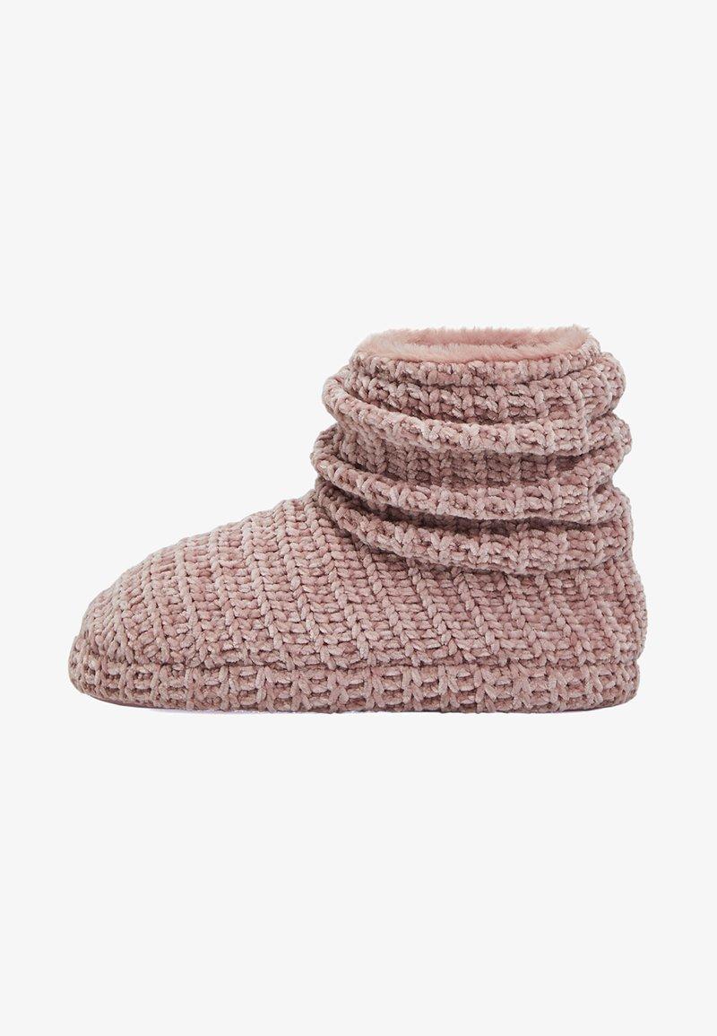 OYSHO - Ankle boots - rose