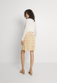Pieces - PCNYA SKIRT - Mini skirt - buttercream - 2