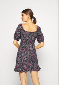 Miss Selfridge - SQUARE NECK SHIRRED DRESS - Robe d'été - multi-coloured - 2