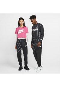 Nike Sportswear - SUBSET - Træningsbukser - black - 1