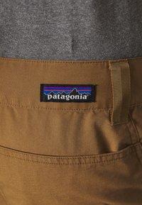 Patagonia - VENGA ROCK PANTS - Pantalon classique - coriander brown - 5