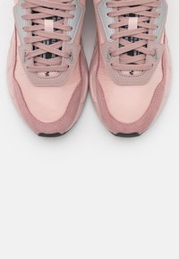 Diesel - SERENDIPITY S-SERENDIPITY LC W SNEAKERS - Trainers - peach - 5