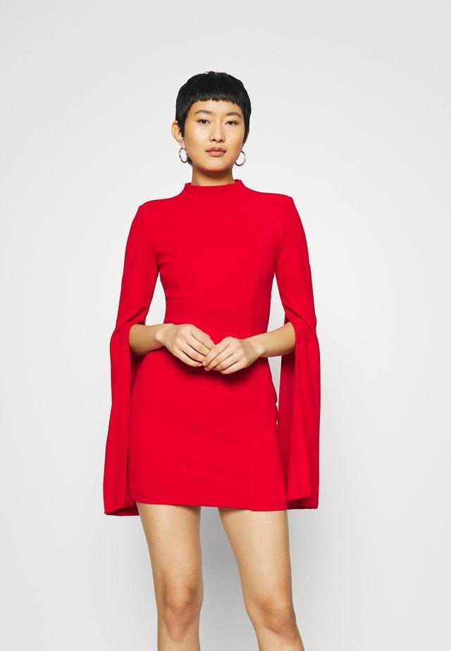 THE SENSE OF MYSTERY DRESS - Vestito di maglina - scarlett
