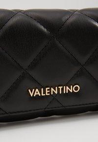 Valentino by Mario Valentino - OCARINA - Peněženka - nero - 2
