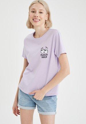 T-shirt z nadrukiem - purple
