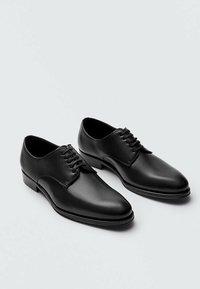 Massimo Dutti - Smart lace-ups - black - 5
