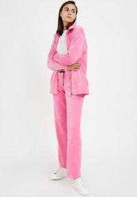 Finn Flare - Zip-up sweatshirt - pink - 1