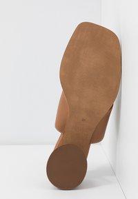Topshop - VILLAGE TOE LOOP - T-bar sandals - tan - 6