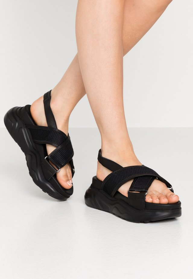 SLFOLLIE  - Plateausandalette - black