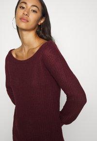 Missguided - AYVAN OFF SHOULDER JUMPER DRESS - Robe pull - burgundy - 3