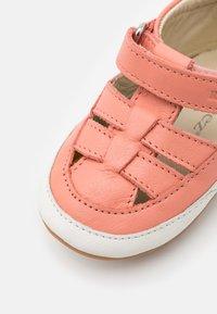 Robeez - MINIZ - Baby shoes - rose - 5