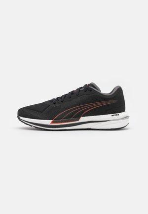 VELOCITY NITRO - Neutral running shoes - black/lava blast