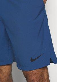 Nike Performance - FLEX SHORT - Pantalón corto de deporte - mystic navy/black - 4