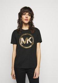 MICHAEL Michael Kors - Camiseta estampada - black/antique brass - 0